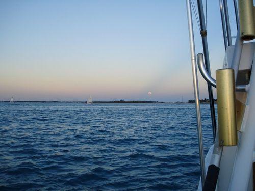 19 Full Moon Rising